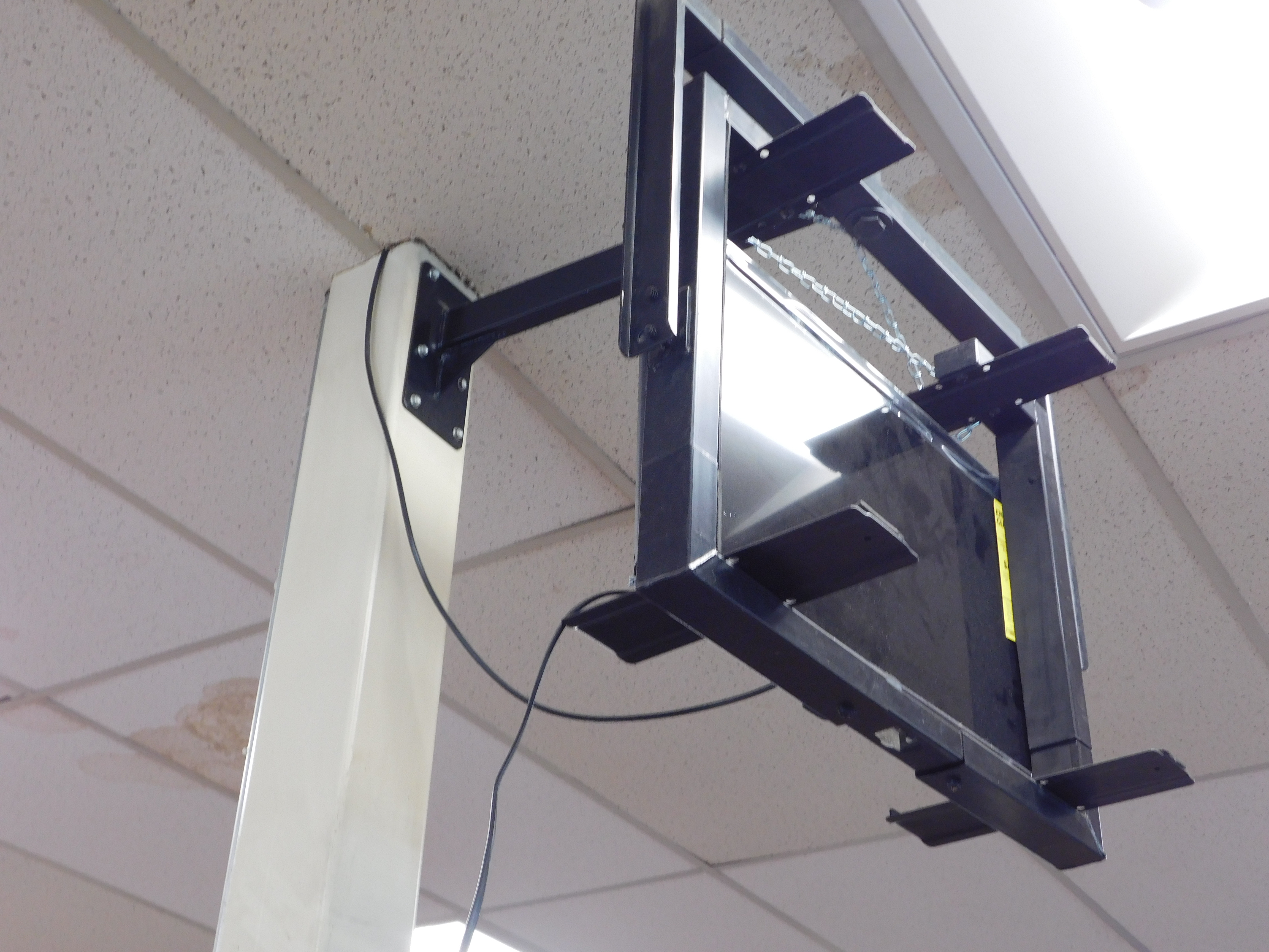 tv mounting near by