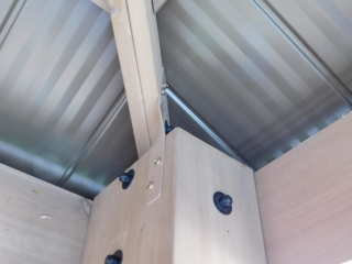 Post and Roof Secure Bracket